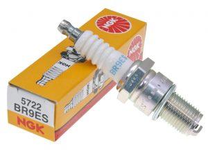 Spark Plugs BR9ES